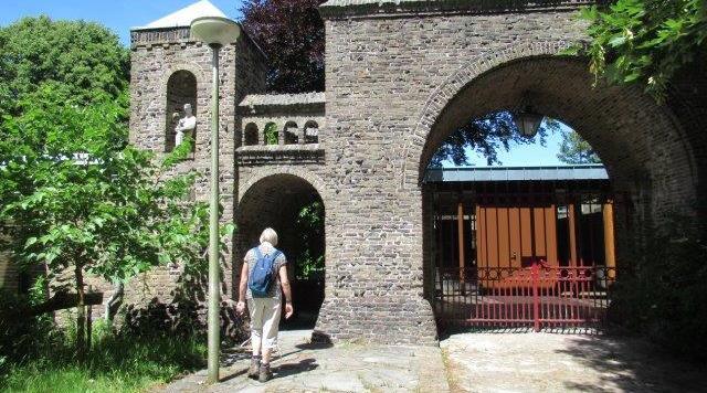 Een kunstzinnig klooster in de duinen